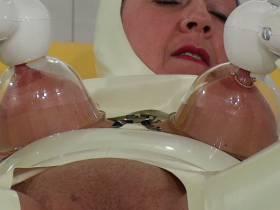 Vakuum Titten Orgasmus