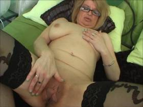 Privater Sextreff mit der reifen Doris - extra lange Schamlippen!
