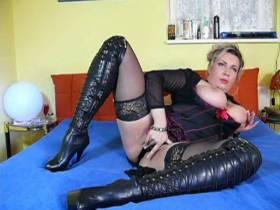 sexy-tatjana und ihr dildo
