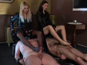 Fun mit 2 Sklaven Teil 2