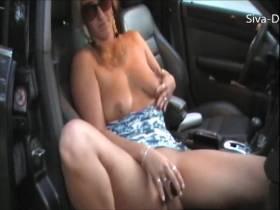 Solo im Auto