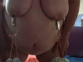 Titten Training mit Gewichten