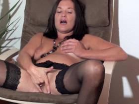 squirting Tina 2