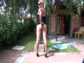 Swimsuit-Posing