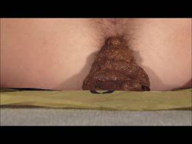 Pesto-Turm-Schiss Closeup