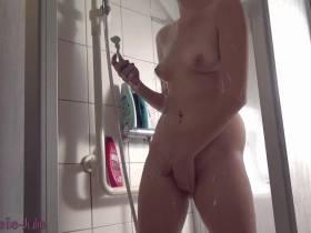 Teeny Pussy rasieren