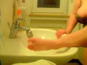 Füße waschen und massieren