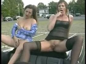 2 Mädels im Cabrio