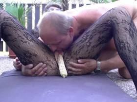 Maiskolbenspiel endet mit Blaserei