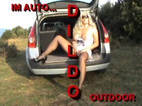DILDO Show im Auto....