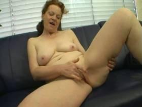 Sexy Landwirtin Rosemarie stellt sich vor!